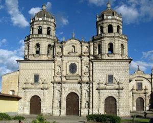 cajamarca-iglesia-san-francisco-con-sol
